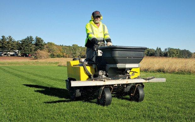 MSC-Natural-Turf-Services-Fertilization-2